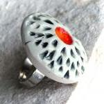 Adjustable red ring
